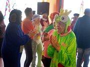 Maškarní karneval v Domově důchodců pro seniory v Tachově.