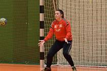 BRANKÁŘKA TACHOVA Veronika Voříšková (na snímku z posledního domácího zápasu proti béčku Kobylis) podala další výborný výkon a výrazně tak pomohla k vítězství v Chebu.