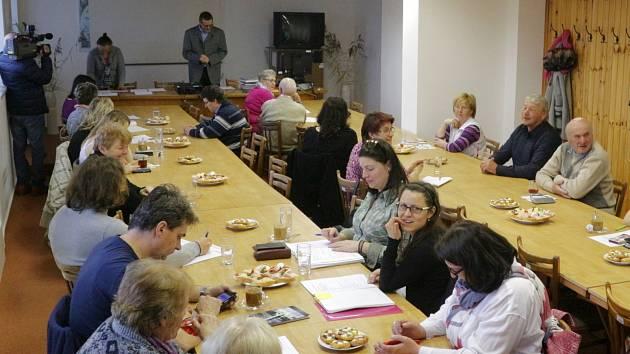 Tachovský archiv hostil  na Zelený čtvrtek setkání kronikářů