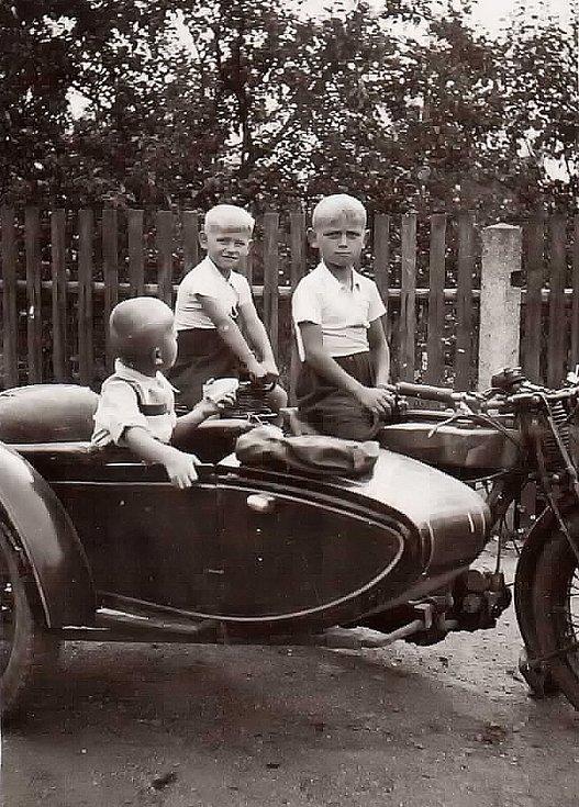 Archivní snímky Miloslava Součka.