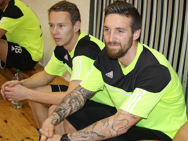 Jan Chramosta a David Vaněček v tachovské sportovní hale.