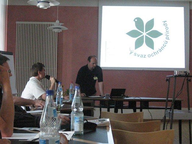 S projektem Zelený pás Evropy se tachovští ochránci přírody seznámili v bavorském Bad Alexu. Na snímku (vpravo) je jejich předseda Jan Novotný.