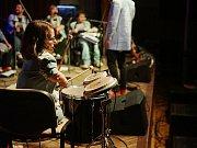 Skupina The Tap Tap vystoupila v prostorách stříbrského kulturního domu.