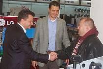 Firma expert elektro odměnila v Mariánských Lázních nejlepší tři hráče Tip ligy.