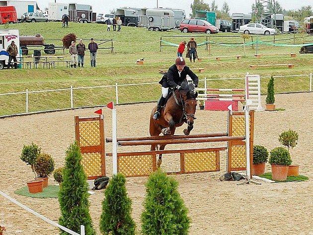 Náš objektiv zachytil tachovského závodníka Ondřeje Dorota s koněm Rickmerem.