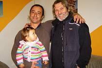 V Domě dětí a mládeže ve Stříbře se sešli letci na ultralightu Jiří Zítek a Pavel Štěpán, kteří lidem vyprávěli o svých expedicích v Jakutsku a Brazílii.