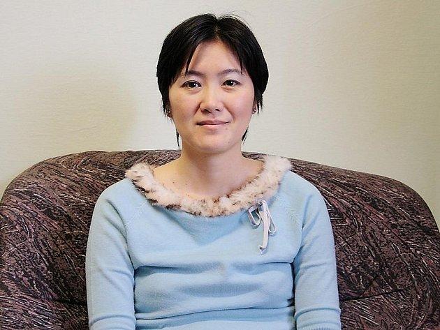 CHIAKI YAMAZAKI. Japonka z Tokia, která již sedm let bydlí v Tachově.