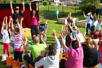 Školní zahrada v Hošťce se přeměnila v přírodní učebnu