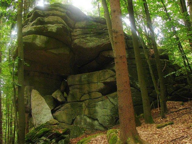 Lokalita Šelmberk se stala novou přírodní památkou v Českém lese