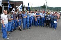 Stávka odborářů firmy Peguform v Chodové Plané.