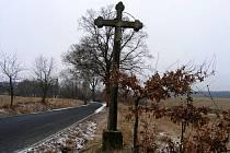 Kříž u Dolní Jadruže.