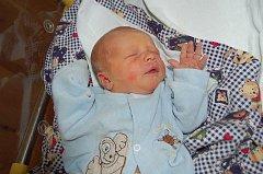 ROMAN Lebeda z Plané – Nahého Újezdce se narodil ve středu 11. srpna ve 13.17 hodin s porodní váhou 3,17 kg a mírou 50 cm. Maminka Markéta Nekvapilová a tatínek Roman Lebeda předem věděli, že budou mít chlapečka. Jméno dostal Románek po tatínkovi.
