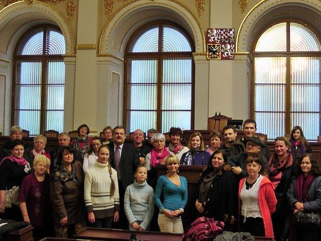 ČLENOVÉ KLUBU výtvarníků Borska navštívili na pozvání poslance Václava Votavy Parlament České republiky.