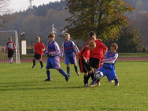 Stříbrští žáci vyhráli vysoko 18:0.