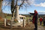 ODHALENÍ RESTAUROVANÉHO Böttgerova památníku v Pavlově Studenci.