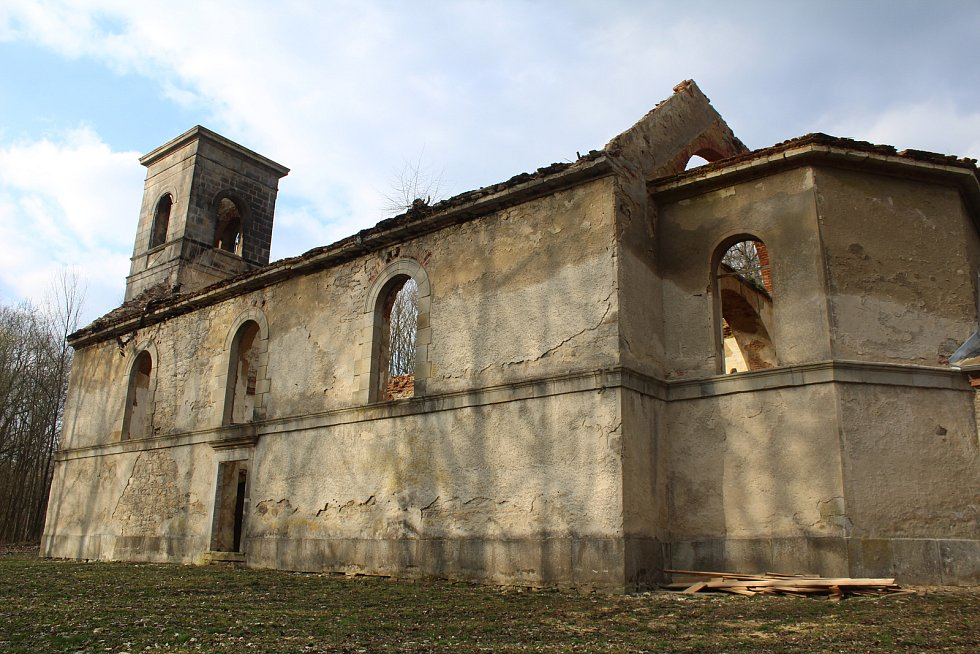 Kostel v Nových Domcích