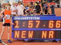 Jakub Davidík vylepšil při halovém MČR v atletice svůj vlastní žákovský rekord v běhu na 800 metrů. Foto: Alexandr Matulka