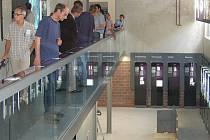 Vloni byla otevřena nová výstavní expozice v památníku Flossenbürg. Středem pozornosti letošního léta jsou bývalí vězni tábora a účastníci pochodů smrti.