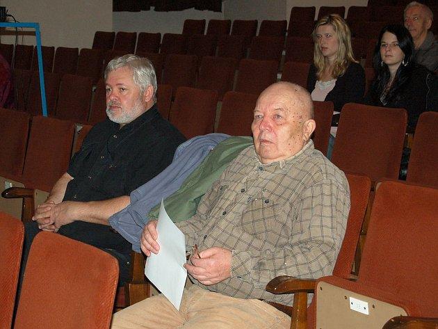 Tachovský amatérský filmař František Soukup (vpravo).