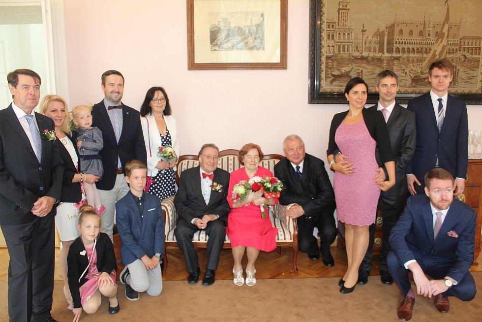 Platinová svatba manželů Košnařových.