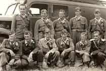 Nejstarší zachovaná fotografie kosteleckých dobrovolníků pochází z padesátých let minulého století. Foto: archiv SDH Kostelec.