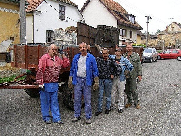 Železnou sobotu uspořádali v Kladrubech členové dobrovolných hasičů.
