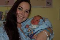 JAROSLAV  Kokrment z Tachova se ve čtvrtek 21. listopadu v 16.08 hodin v domažlické porodnici narodil mamince Karině Slánské a tatínkovi Renému Kokrmentovi.