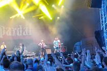 Pekelný ostrov, tak se jmenoval dvoudenní hudební festival v Holýšově, kam se vydali fanoušci z celé republiky, a samozřejmě i z Tachovska.