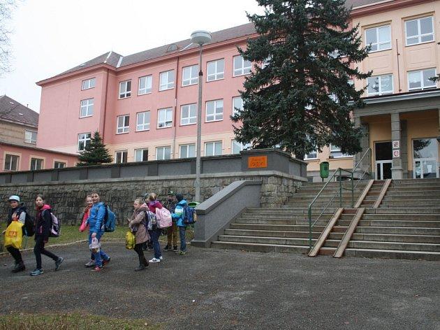 Základní škola v Hornické ulici.