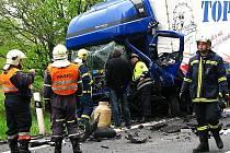 Nehoda si vyžádala dva zraněné
