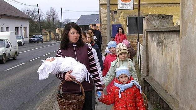 Sulislavští vítali jaro.
