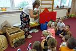 Vyprávění o životě včel zaujalo děti mateřinky.
