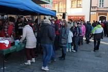 Lidé přišli v Tachově na Nový rok podpořit dobrou věc