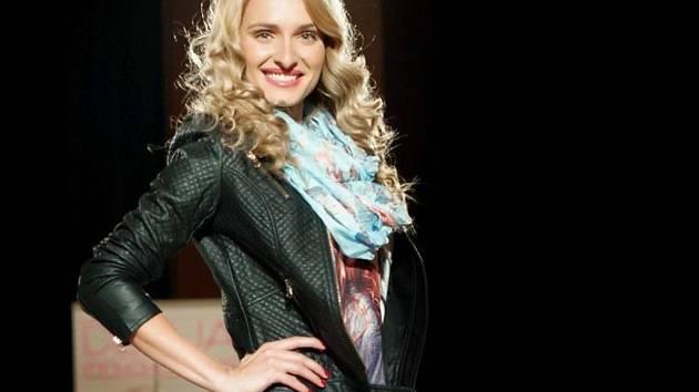 OBLEČENÍ pro volný čas i slavnostní róby budou v Boru předvádět profesionální modelky.