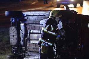 Nehoda na železničním přejezdu v Chodové Plané.