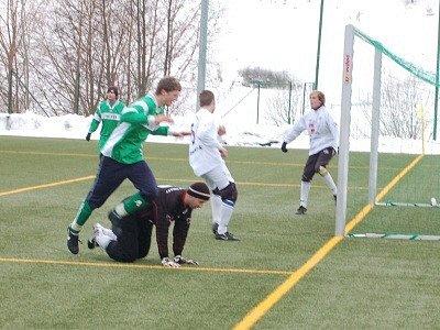 Divizní fotbalisté FK Tachov rozstříleli v přípravě účastníka přeboru FC Chrást .