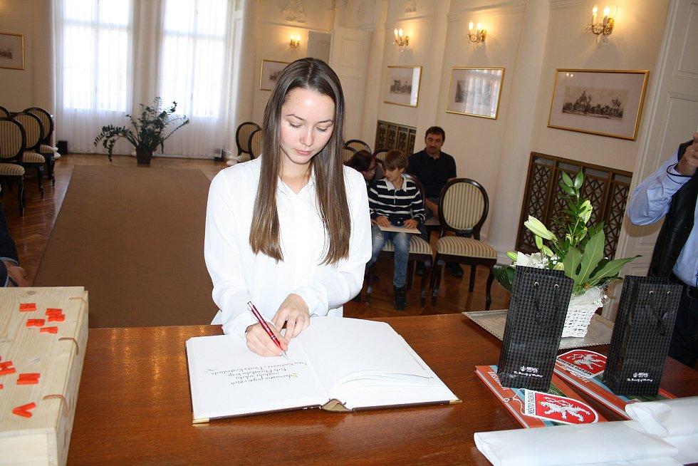 Slavnostní přijetí Perly Plzeňského kraje Lucie Kosturové a Davida Kratochvíla v obřadní síni