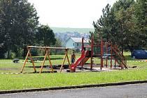 v Tachově, ve Stadtrodské, roste nové dětské hřiště.