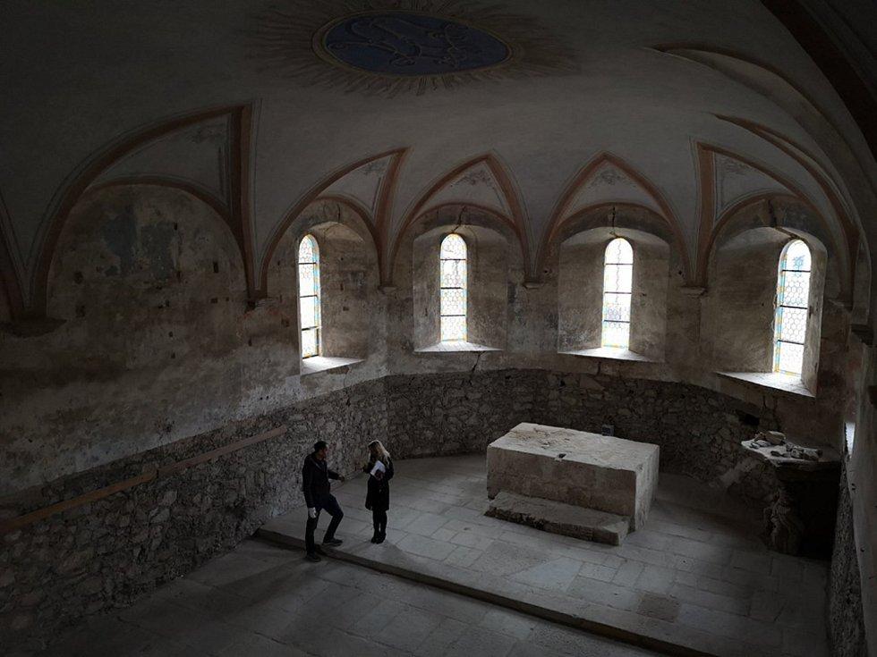 Další část kostela je dokončena.