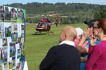 Malá slavnost se konala u příležitosti představení nové golfové klubovny.