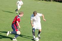 Ve fotbalové 1. A třídě se Rozvadov trápil s předposlední Žákavou, nakonec vyhrál 3:2
