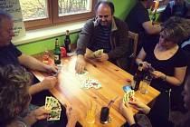 Poslední lednový víkend se ve Lhotě u Stříbra konal malý turnaj karetní hry Prší.