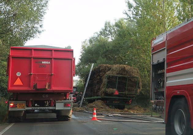 Jedním z cílů záchranných složek byl také požár valníku mezi Stříbrem a Těchlovicemi.