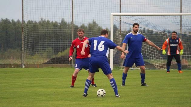 Lídr čepoval sedmičku. Dynamo Studánka se při cestě za postupem do I.B třídy s nikým nemazlí. Jeho jízdu naposledy odnesl sedmi góly Sokol Kostelec.