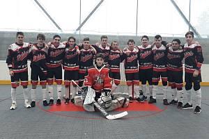Hokejbalisté HC Buldoci Stříbro skončili na Dobřanském Ledňáčku 2020 čtvrtí. Foto: fb HC Buldoci Stříbro.