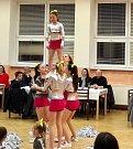 Skupina Cheerleaders Sparkles- Summer Vibes zatančila k MDŽ.