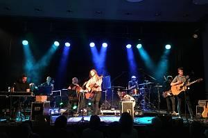 Zpěvačka Aneta Langerová vystoupila s kapelou v Plané.