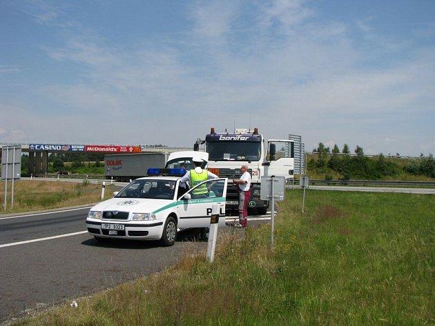 Policie zasahovala na dálnici D5.