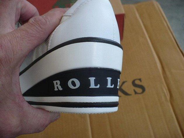 Zboží se značkou Rolex.