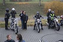Motorkáři vyjeli v sobotu po poledni na symbolickou poslední společnou jízdu.
